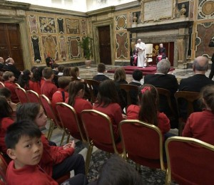 Papa: a educação não pode ser apenas um trabalho, mas uma missão